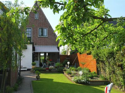Photo for Detached house with lovely enclosed garden in Heiloo