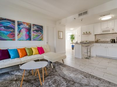 Photo for Modern apartment close to I-drive, Universal Studios and Convention center