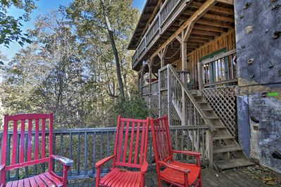 With a rock wall, wraparound decks, and provided bikes, it's an outdoor oasis.