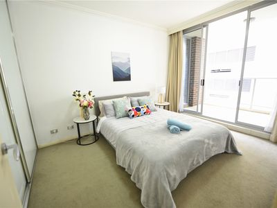 Photo for Sydney CBD central chinatown Modern apartment, next to Darling Harbour