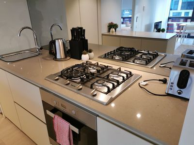 Photo for 【WATERFRONT 】Cityview 2BR Apt/Free Parking/IBB