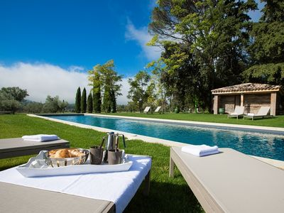 Photo for holiday vacation wedding large villa rental france, provence, lourmarin, pool, tennis, wi-fi