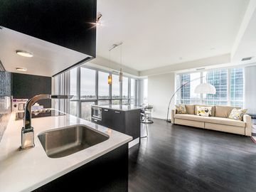 Astonishing Luxury Condo Direct Access To Subway 3 Beds 2 Bath Home Interior And Landscaping Synyenasavecom