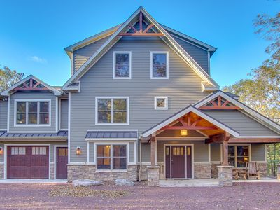 Summit Just Built Ultimate Luxury Vacation Home. Views Of Big Boulder.