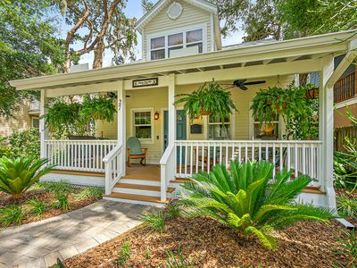 Photo for NEW! Casa DeSoto - Luxury Downtown Oasis