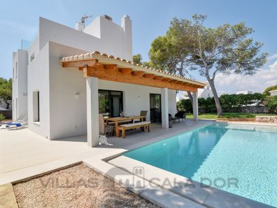 Photo for 4 bedroom Villa, sleeps 8 in Cala Serena with Air Con and WiFi