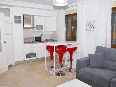 Photo for Lovely apartment in the centre of Granada - Puerta Real Canovas