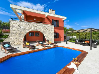 Photo for NEW Villa Iris just 150m from the beach, private pool, barbecue, wi-fi