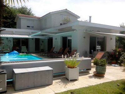 Photo for House with quiet pool