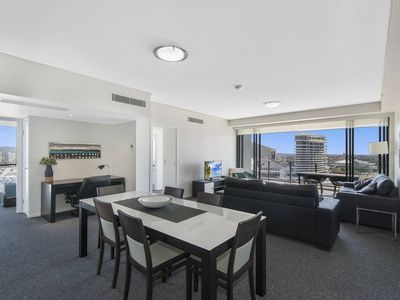 Photo for Large, modern 3 bedroom apartment with City Views