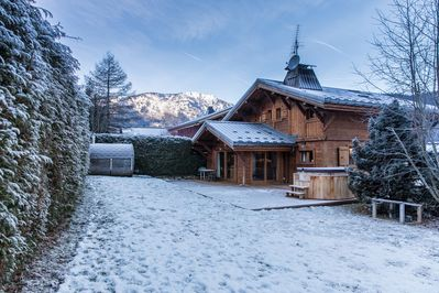 Chalet Les Drus as seen from the garden
