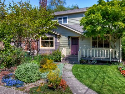 Photo for Lovely Laurelhurst w/ Music Room, Sunny Yard - 15 Minutes to Downtown