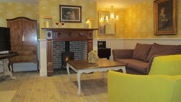 8% discount on headline price if booked direct with owner on 3 luxury cottages  - Drake Cottage