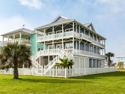 Wrap Around Porches On Both Levels