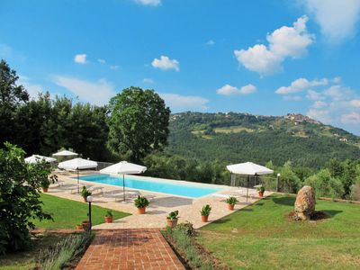 Photo for 2 bedroom Villa, sleeps 4 in Ciciano with WiFi
