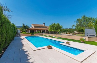 Photo for Villa with pool in the Mallorcan countryside