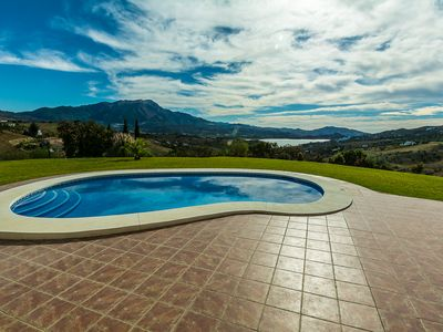 Photo for Stunning  Accommodation with uninterupted lake and mountain views