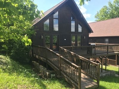 Sleeps 20+. Affordable Cabin 30 minutes to New River Gorge Rafting & Climbing