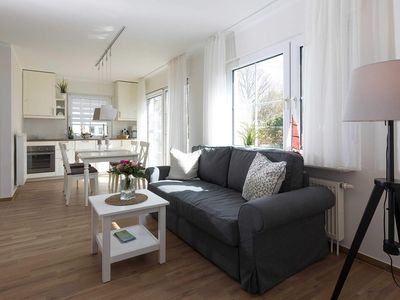Photo for Apartment 6 - Apartment house Zingst - Holiday between sea & Bodden