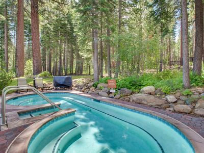 Photo for Condo w/ shared hot tub, pool, sauna, gym & tennis - 1 mile to Northstar slopes!