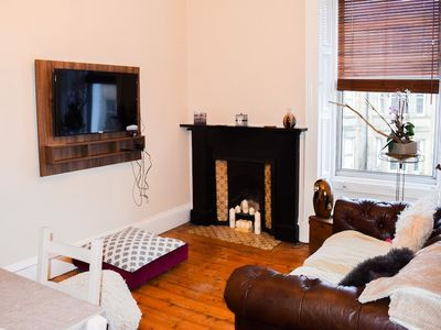 Photo for 1 Bedroom Apartment Near Edinburgh City Centre