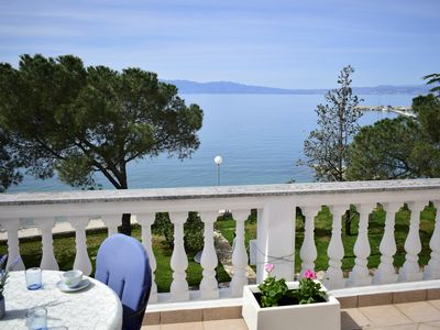 Photo for Beautiful Bor apartment with sea views and only 10 meters from the beach
