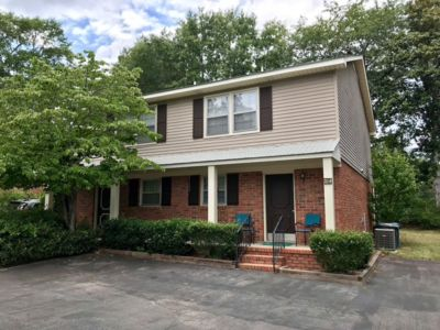 Cozy Townhome- 2 Bedroom, 3 Minutes to Downtown, USC