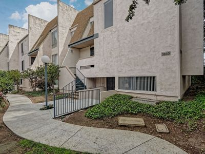 Photo for Central to Everything San Diego! 2 bd, 2 ba Condo