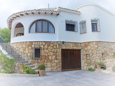 Photo for LOVELY FAMILY VILLA JUST A SHORT WALK TO THE BEACH AND TOWN.
