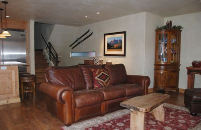 Open floor plan with over 1500 sq. ft of living space, Comfy Leather Couch