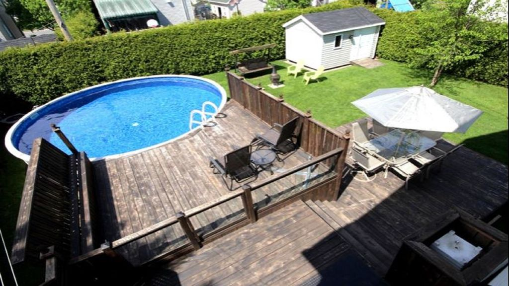 Lovely Cottage With Heated Swimming Pool Wendake Quebec Rentals And Resorts