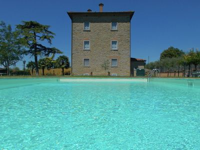 Photo for Villa with private swimming pool, ideal base for exploring Tuscany
