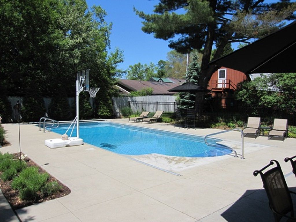 Home With Private Pool Close to Beach & Downtown New Buffalo! Now Offering Four Night Minimum For Remaining Summer Week!