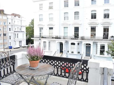 Photo for Delightful 1 Bedroom Apartment in Notting Hill