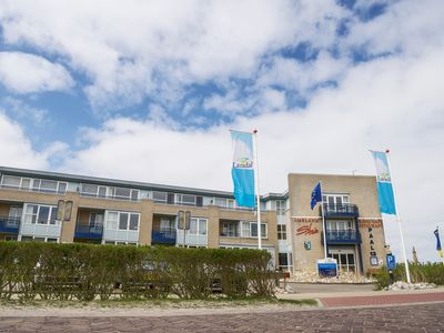 Photo for 2-4-person apartment in the holiday park Landal Ameland State - on the coast/the beach