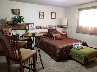 Photo for Large 1 bedroom  accommodating 2 adults. Beautifully decorated and homey.