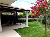 Very nice and clean semidetached house with it's own garden and close to the sea