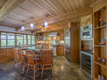 The Lazy Crane; A Luxury Cabin on the Kern River