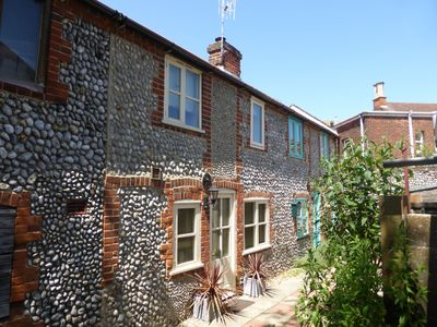 Photo for A real hidden gem, this great little bolthole for two is perfect for a seaside get away