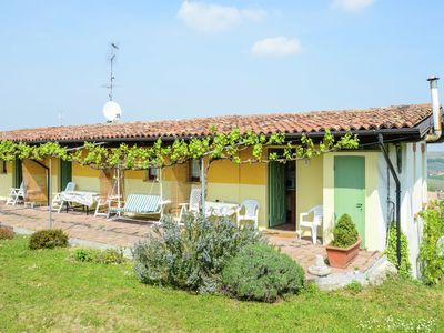 Photo for Nice and typical apartment in a farm surrounded by hills and vineyards.