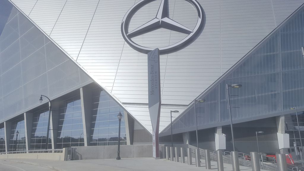 Mercedes benz stadium hideaway atlanta atlanta metro area for Hotel near mercedes benz stadium atlanta
