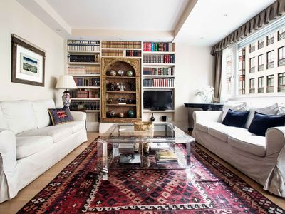 Photo for Elegant apartment for 4 situated in the best area of the district of Salamanca