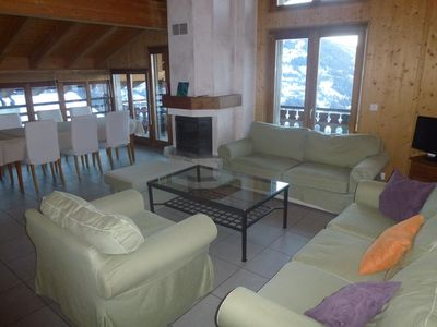 Photo for 4-Room apartment, 4* stars, for 6-8 persons at about 1 km from the ski lift located in a calm and su