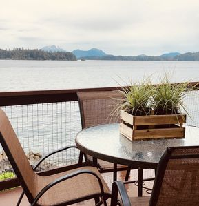 Photo for Cozy One Bedroom Waterfront Rental!