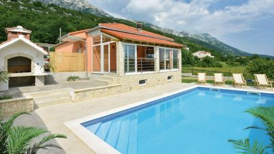 Photo for House with private pool, quiet- mountain environment near Omiš