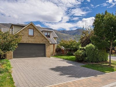 Photo for 4BR House Vacation Rental in Wanaka, Queenstown - Wanaka