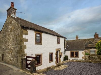 Photo for HOPE COTTAGE, pet friendly, with open fire in Youlgreave, Ref 920883