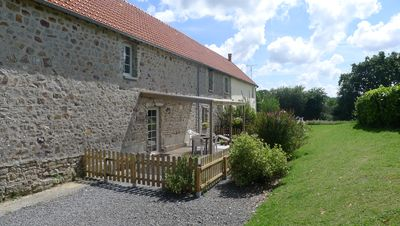 Photo for Cosy cottage just 10 minutes from beach with pool, tennis court, dogs welcome