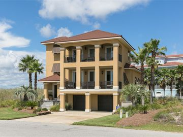 Luxury Beach Home - Comfort with All the Amenities...