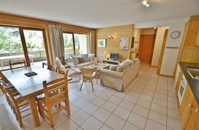 Photo for Fantastic piste side 4 bed 4 bath apt for up to 8 with wifi!
